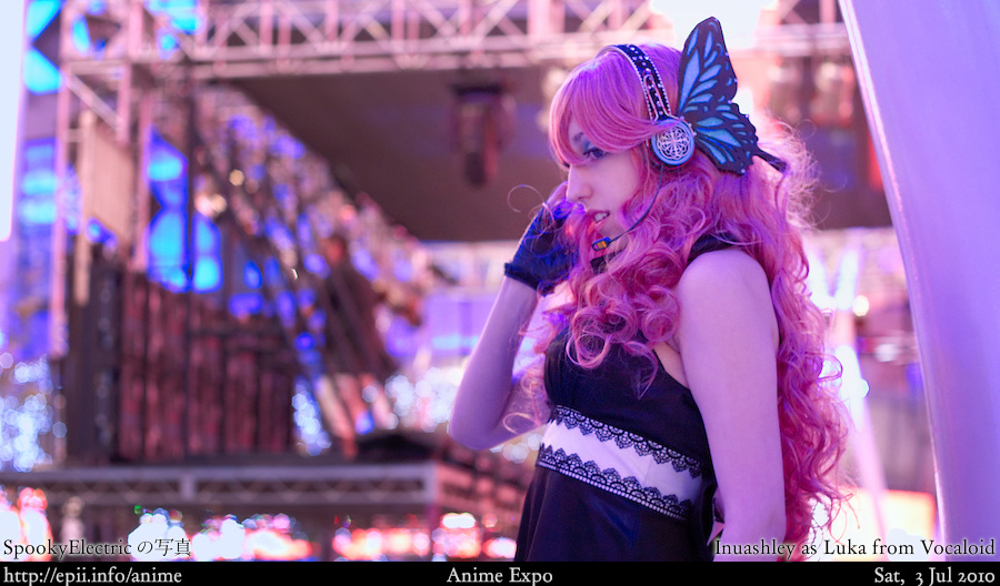 Cosplay  Picture: Vocaloid - Luka 1