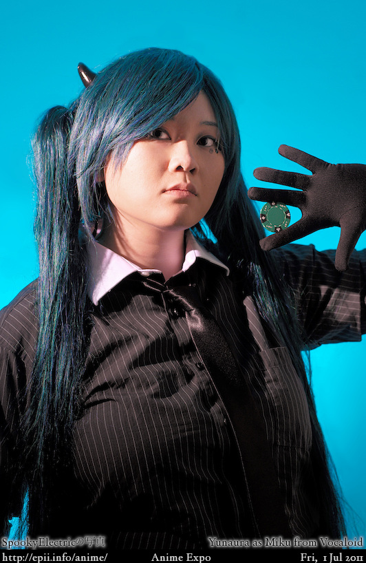 Cosplay  Picture: Vocaloid - Miku (Poker Face)