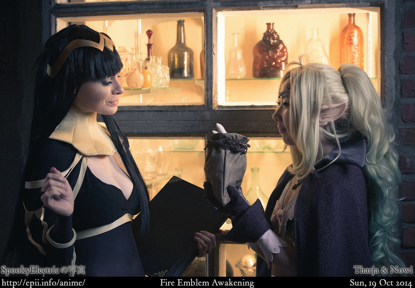 Cosplay  Picture: Fire Emblem Awakening - Tharja and Nowi 7596
